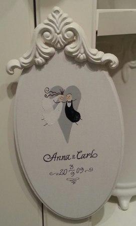 Bröllopstavla 225mm: 269:-, 300mm: 295:- inkl.motiv och text. Ornament 50:'